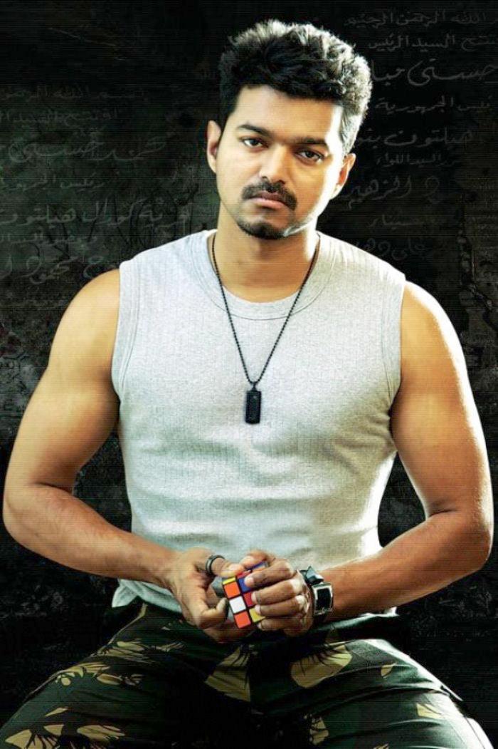 kajal with vijay in thuppakki unseen images