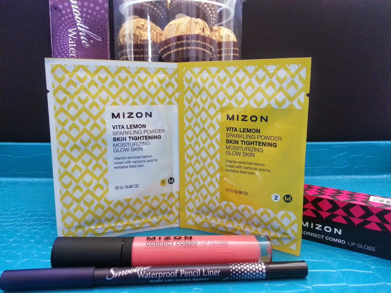 Mizon Vita Lemon Sparkling Powder, Peripera Smoothie Waterproof Pencil Liner, Mizon Correct combo lip gloss