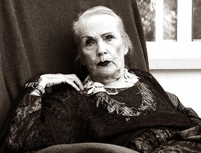Vampira - Maila Nurmi old