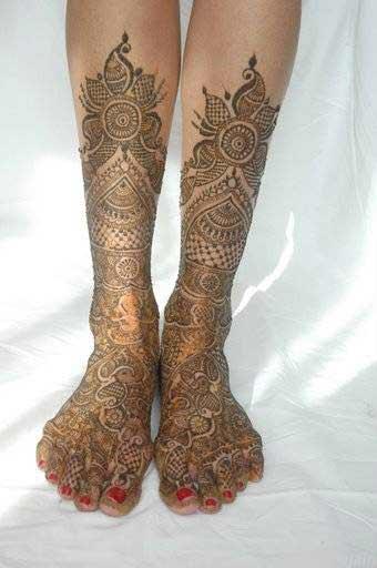 Mehndi For Legs N Designs : Latest easy feet mehndi desings
