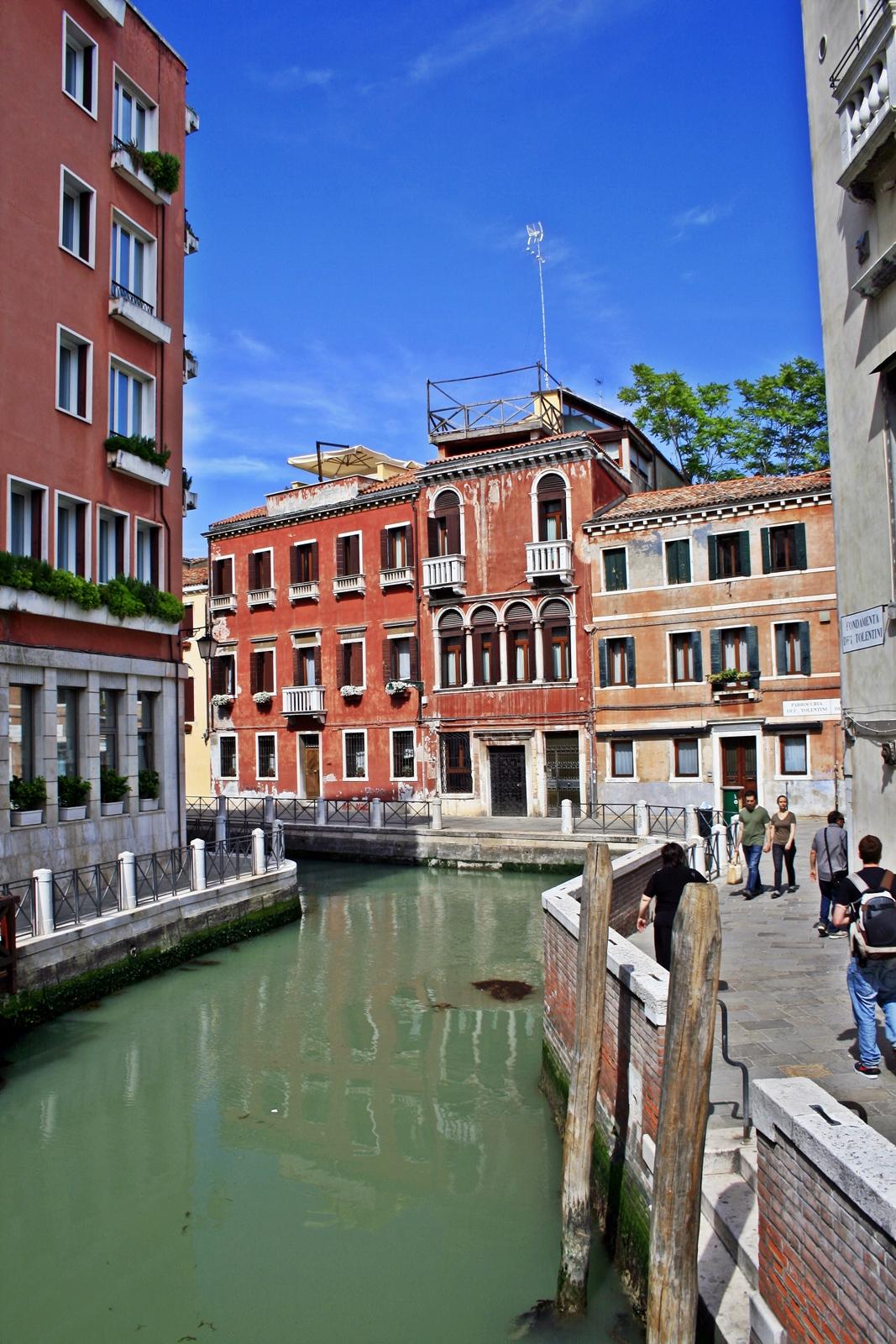 venice italy canals buildings was ist los