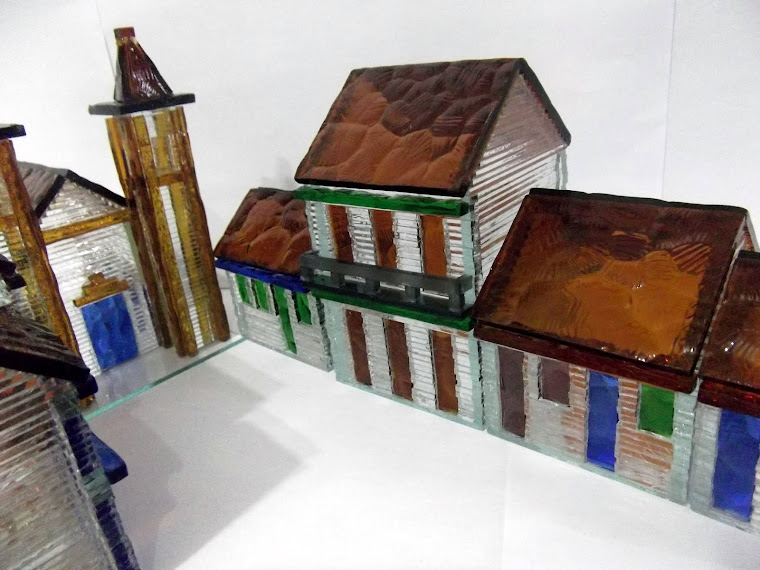 Conjunto Casarios Coloniais + Igreja Barroca (13 peças)