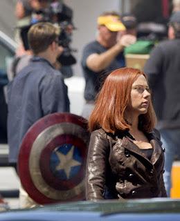 http://1.bp.blogspot.com/-KjzxWscr5oY/Ub5vdJJLbdI/AAAAAAAAAGw/EPZpIM5ObT4/s320/Captain-America-2-Film-set-pic+(15).jpg