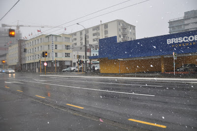 Snow on Taranaki Street 1
