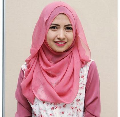 Cara memakai jilbab formal menggunakan jilbab segiempat