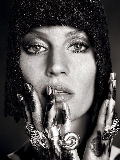 Gisele Bündchen by Zee Nunes, Paulo Vainer, Henrique Gendre, Gui Paganini, Bob Wolfenson for Vogue Brazil May 2015