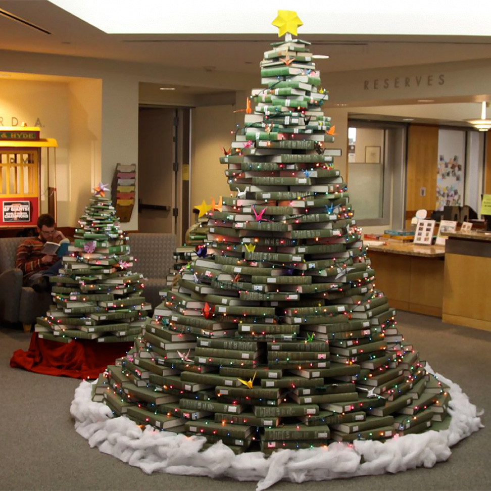 christmas tree of folders or books