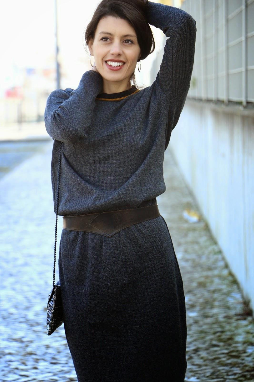 http://ilovefitametrica.blogspot.pt/2015/01/grey-dress.html