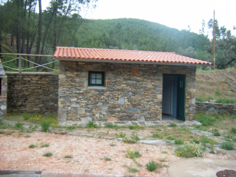 Casas de Banho junto ao Parque de Merendas