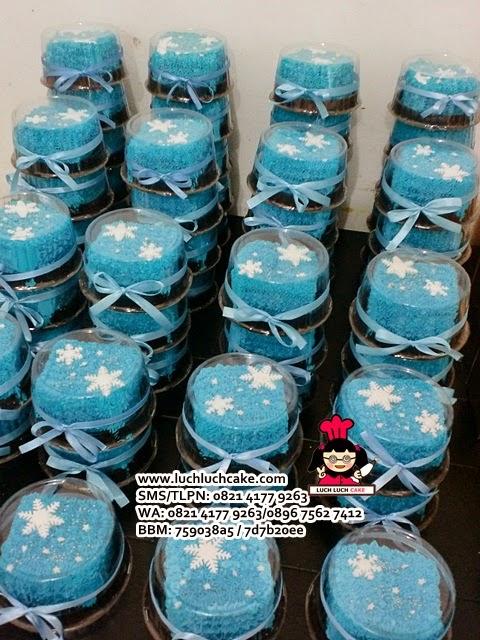 Mini Cake Elsa Frozen Souvenir Ulang Tahun