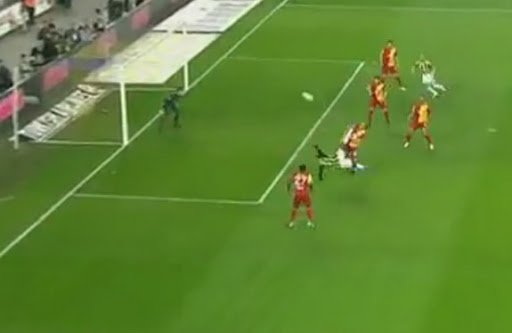 Fenerbahçe striker Moussa Sow hits an overhead-kick to score against Galatasaray