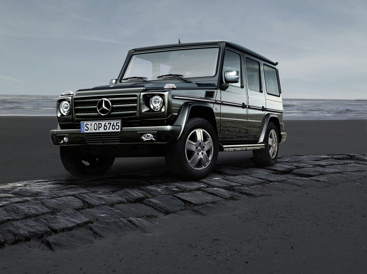 Information auto parts mercedes benz has updated the g for Mercedes benz jeep g class