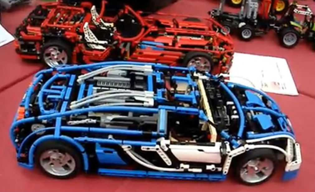 LEGO Technic Bugatti Veyron Is a Driver's RC Car