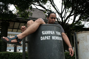 [Image: Sampah+Masyarakat.jpg]