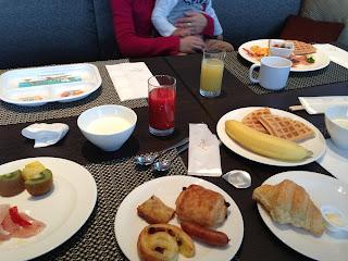 リーガロイヤルグラン沖縄内のダイニング&バー エージュの朝食