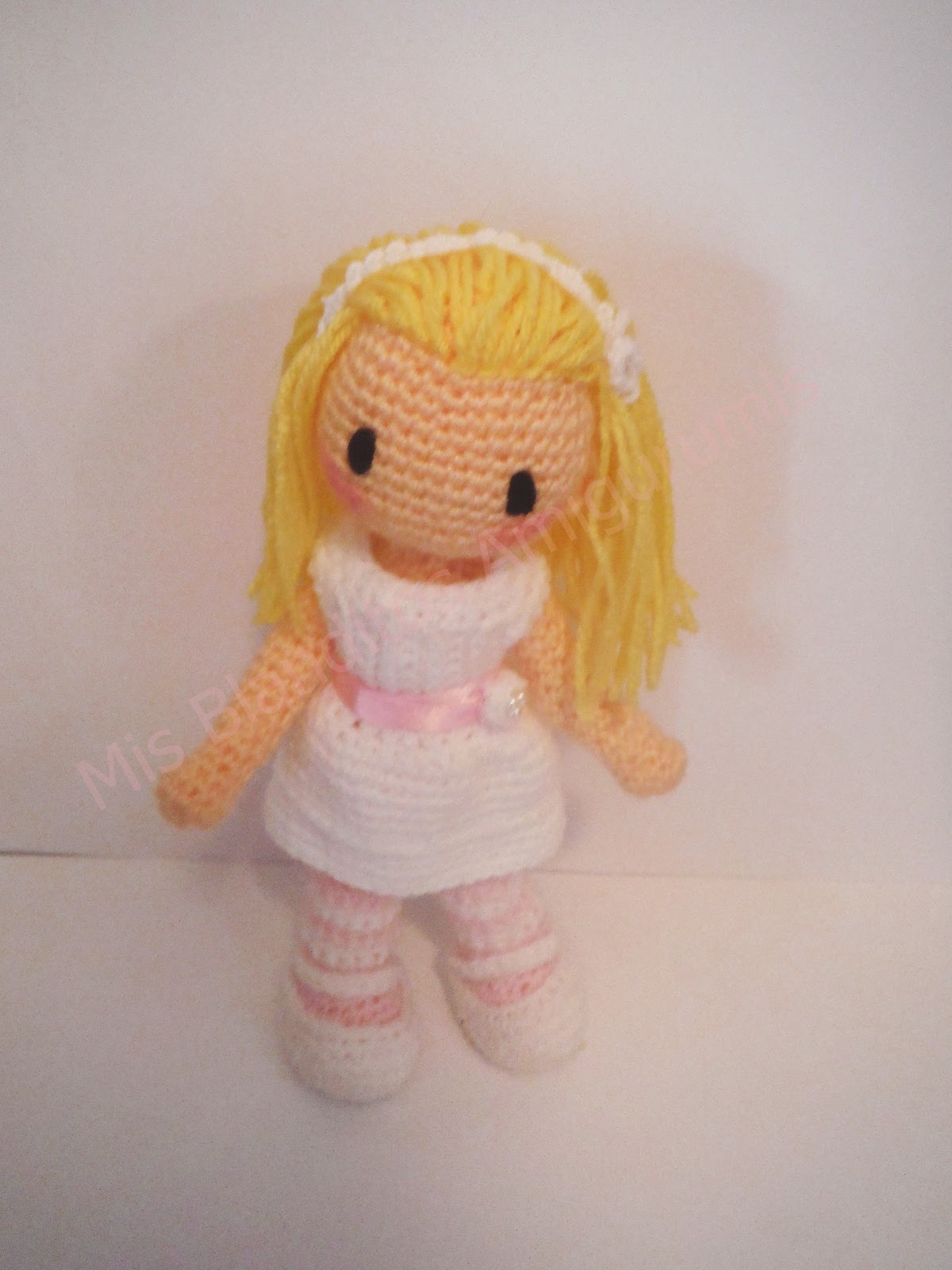 muñeca comunión amigurumi gorjuss