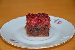 Cuketový koláč s ríbezľami