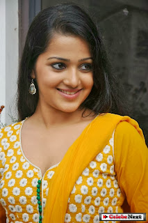 Actress Samskruthy Shenoy Pictures in Salwar Kameez at Hrudayam Ekkadaundi Movie Press Meet  0040