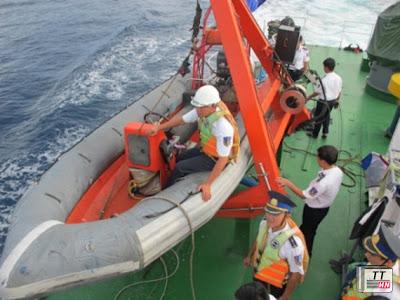 Trên tàu có cả xuồng chạy tốc độ cao và được hạ thủy khi cần thiết.