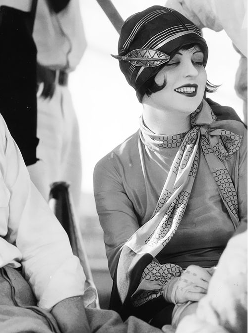 1920s - Clara Bow #20s #fashion #1920s #style #cloche