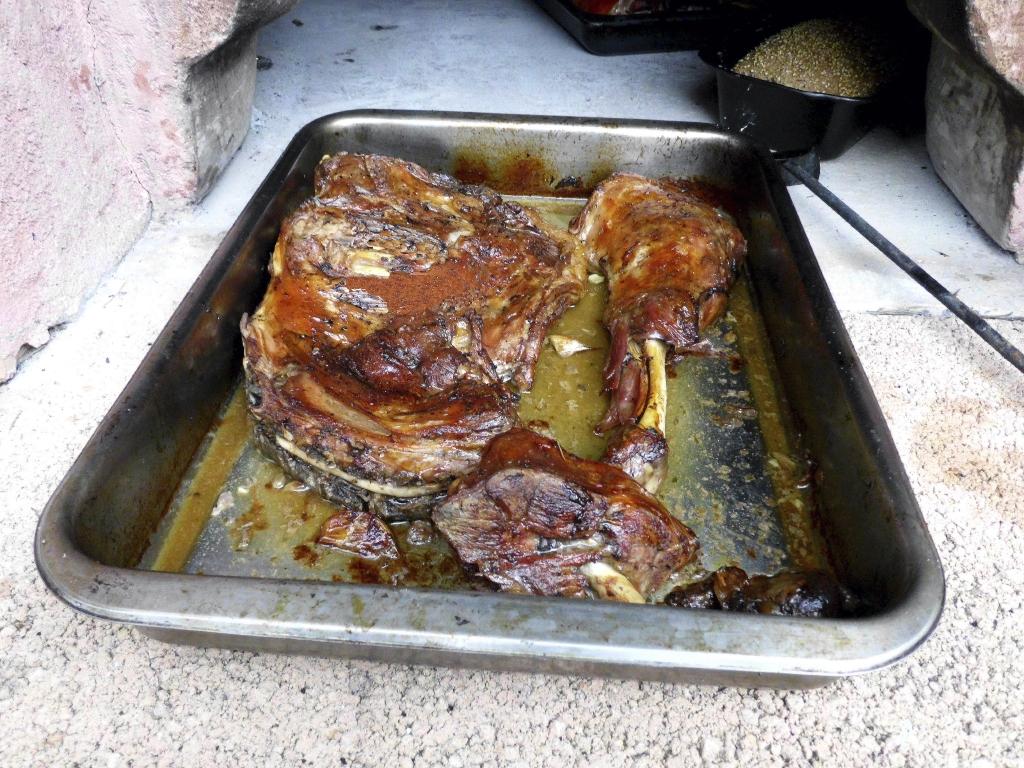 Uep lechazo al horno de le a - Calentar horno de lena ...