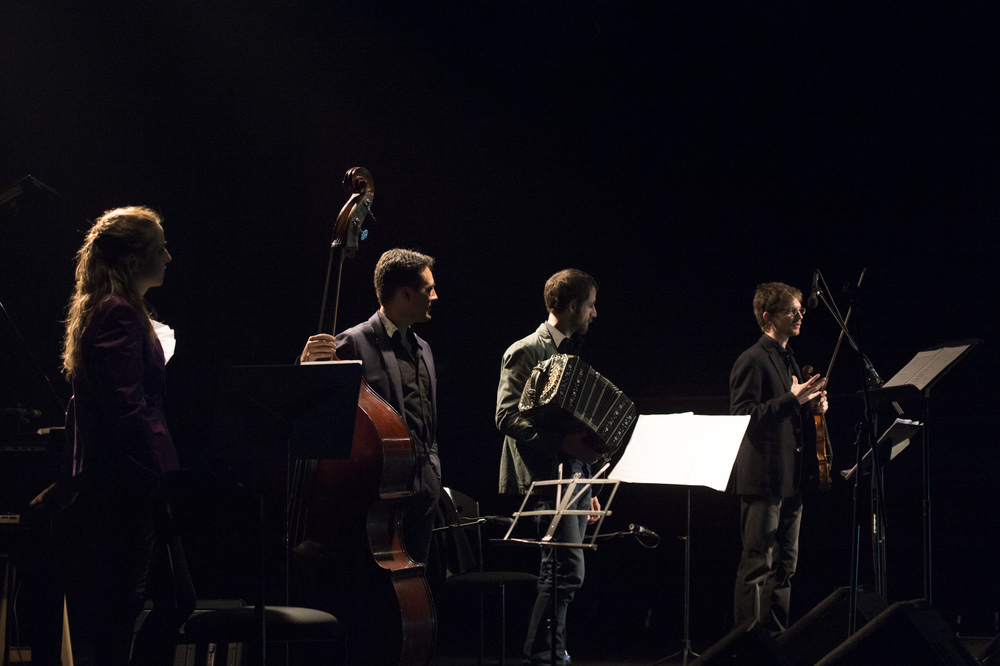 Quatrotango - Plays Piazzolla