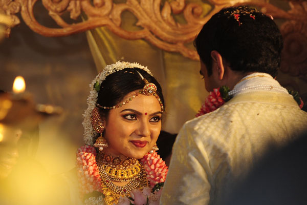Samvritha Sunil Wedding Marriage PhotosNewsImages