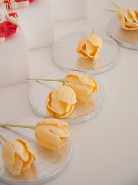 Curso de flores de pasta de goma