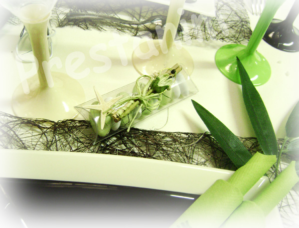 ma d coration de mariage table de mariage zen en marron et vert anis. Black Bedroom Furniture Sets. Home Design Ideas