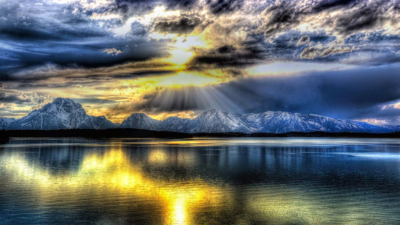 The Teton Range and Jackson Lake in Grand Teton National Park, Wyoming (© Lee Gochenour/Bing Photo Contest Winner) 139