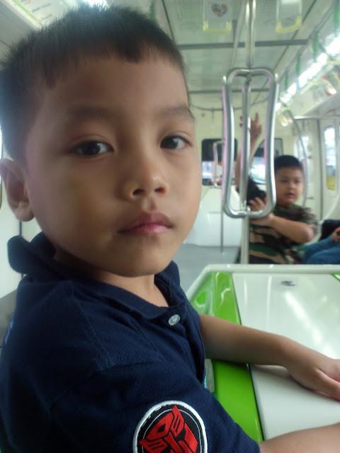 Menaiki Monorel menuju ke Stesen Monorel Chow Kit