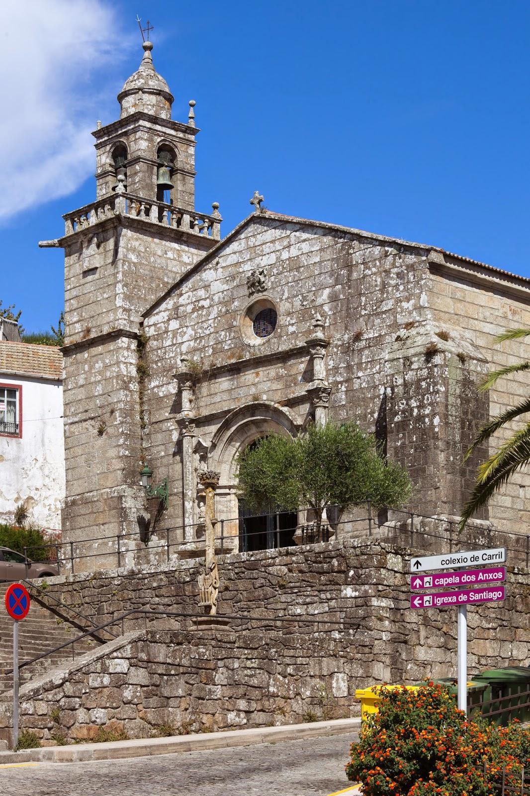 «Igrexa parroquial de Santiago do Carril-Vilagarcía de Arousa-Galicia-32» de Luis Miguel Bugallo Sánchez (Lmbuga) - Trabajo propio. Disponible bajo la licencia Creative Commons Attribution-Share Alike 3.0 vía Wikimedia Commons - http://commons.wikimedia.org/wiki/File:Igrexa_parroquial_de_Santiago_do_Carril-Vilagarc%C3%ADa_de_Arousa-Galicia-32.jpg#mediaviewer/File:Igrexa_parroquial_de_Santiago_do_Carril-Vilagarc%C3%ADa_de_Arousa-Galicia-32.jpg