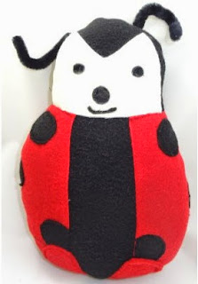 http://translate.googleusercontent.com/translate_c?depth=1&hl=es&rurl=translate.google.es&sl=en&tl=es&u=http://craftbits.com/project/plushie-lady-bug/&usg=ALkJrhhhfEghGfZaT0eqfkkNKWFAXNKtUA