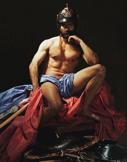El actor Quim Gutiérrez retratado el año pasado por El País como El dios marte de Diego Velázquez