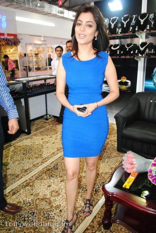 Nisha Agarwal at Gems amp Jewellery Expo hot images