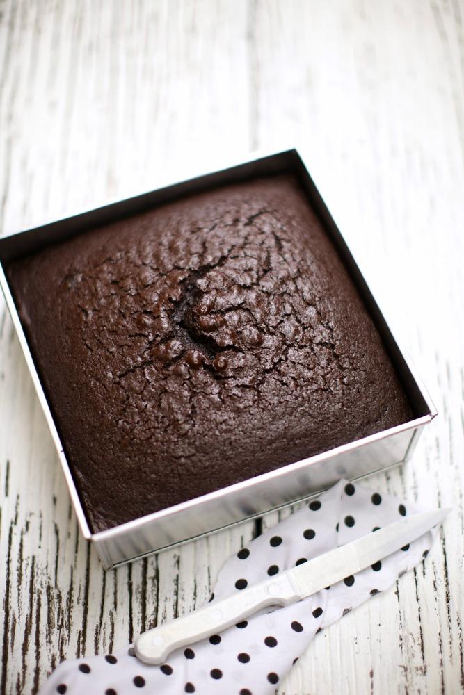 Kek Asas 1 Kek Coklat Lembab Masam Manis