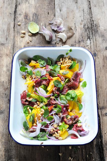 A star is born ? Et si vous mettiez Donal Skehan dans votre cuisine… et bœuf Thaï et salade de mangue au menu !