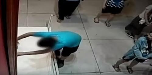 Garoto tropeça e danifica quadro de US$ 1,5 milhão