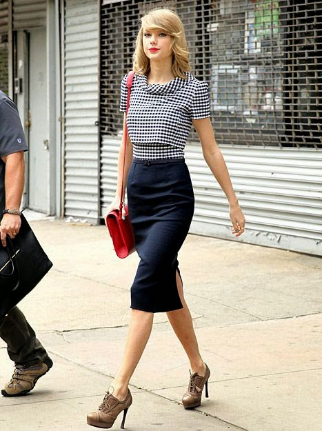 Taylor Swift Belly Expansion Taylor swift