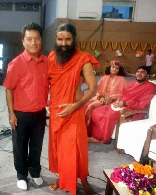 Bimal Gurung meets baba Ramdev as he supports Gorkhaland - watch video