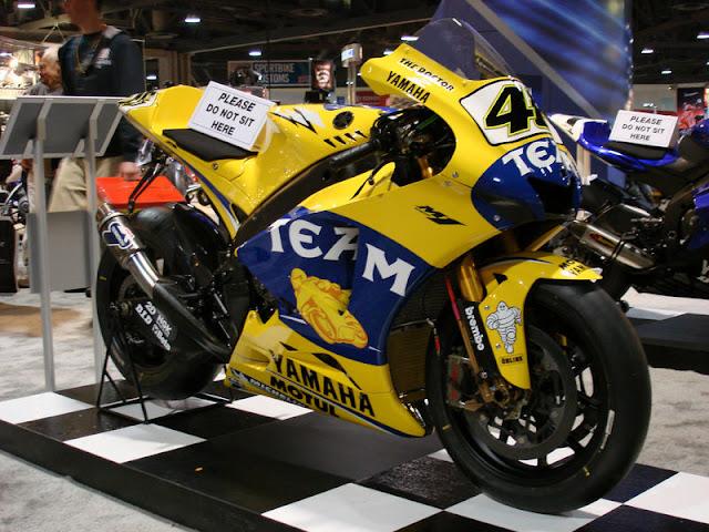 Gambar 5 - Foto Valentino Rossi di Moto GP 2006