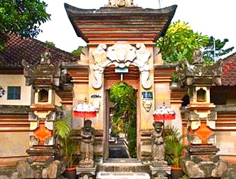 Ketut Liyer's house