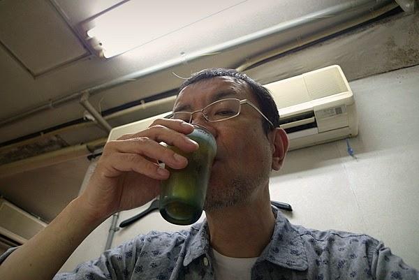新福菜館三条店 ビール 飲む