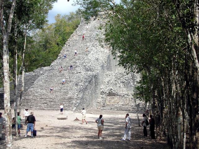 piramide maya a cobà