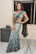 Jyothi seth sizzling saree photos-thumbnail-2