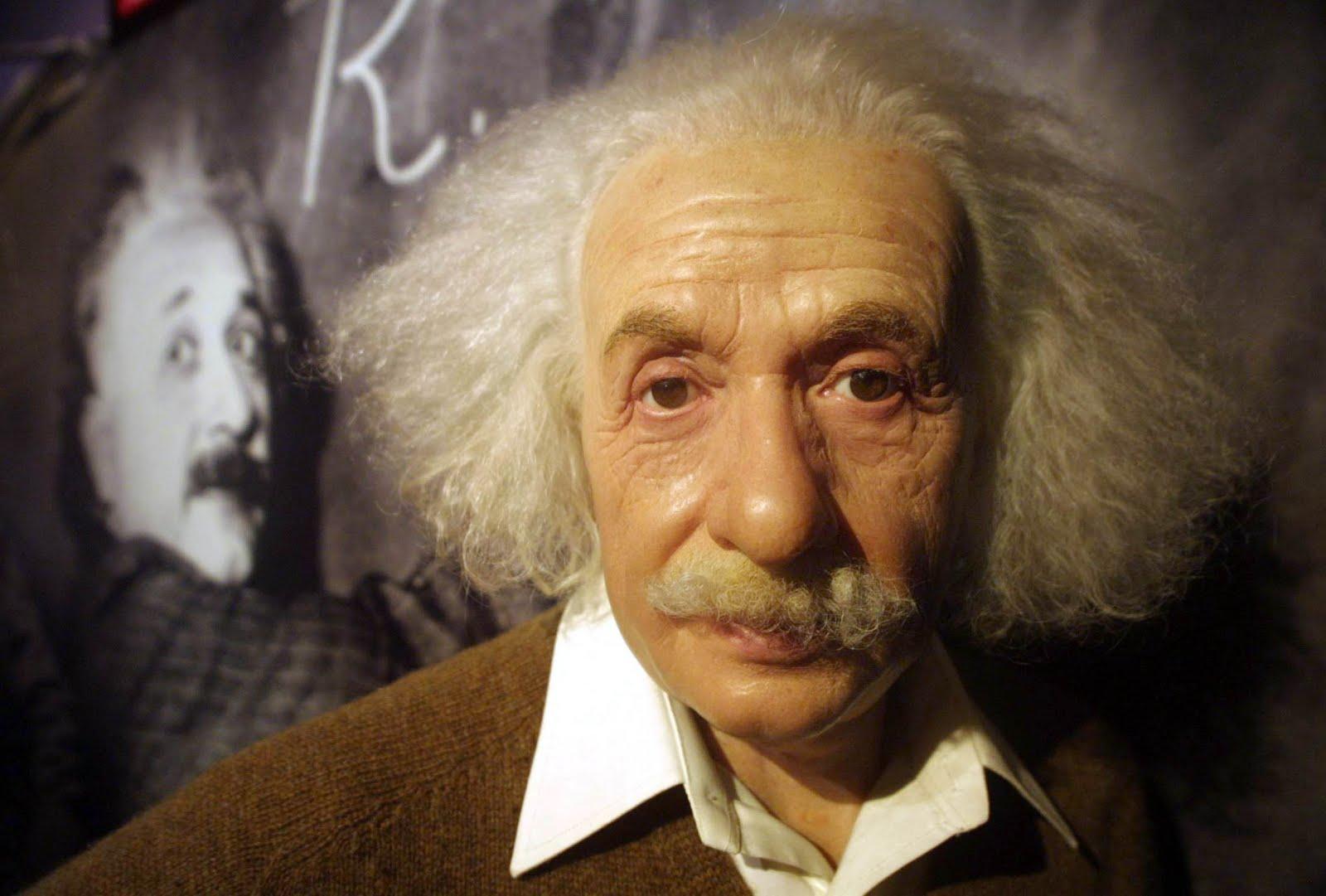 Albert Einstein Biography Images | FemaleCelebrity