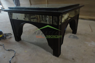 Hanging Dining Table With Antique Glass - 2
