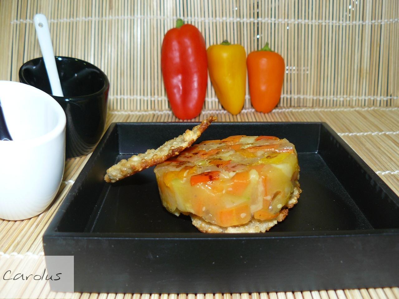 Hamburguesa de verduras sobre galleta de parmesano - Hamburguesa de verduras ...