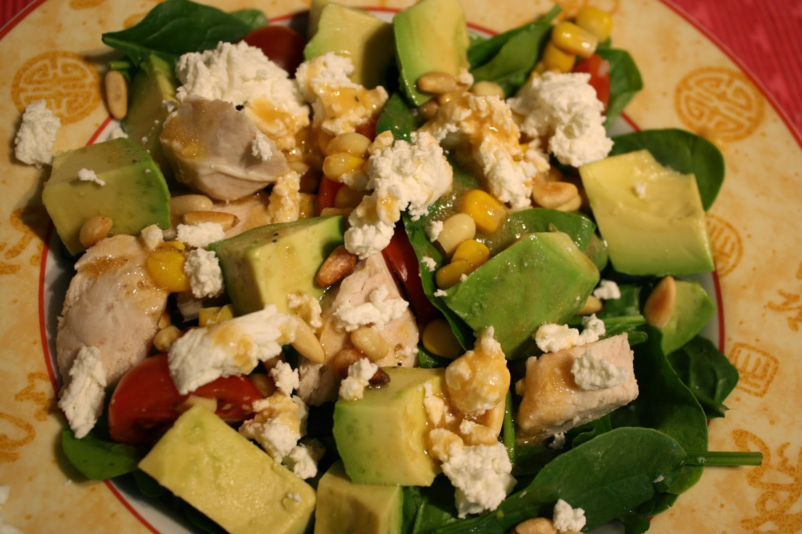 Lactose-Free Girl: Spinach Salad with Chicken, Avocado and Goat Cheese