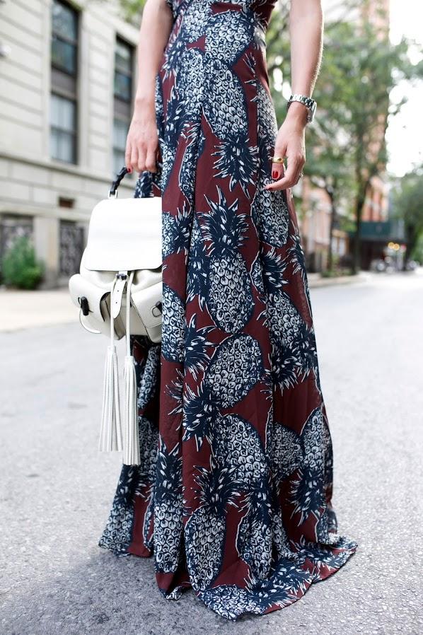 vestido longo-vestido estampado, vestido com estampa abacaxi, vestido abacaxi, mochila,mochila branca, mochila com franja, moda, roupas da moda, roupas femininas, long dress, blog de moda, dicas de moda